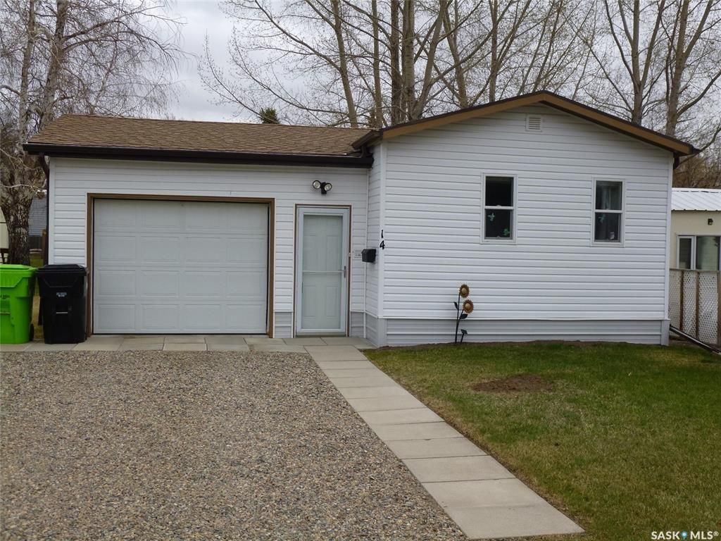 Main Photo: 14 crystal Drive in Coppersands: Residential for sale : MLS®# SK852467