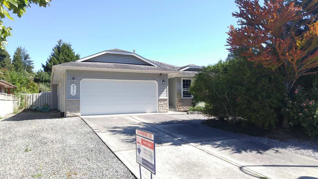 Main Photo: 6317 HOMESTEAD Avenue in Sechelt: Sechelt District House for sale (Sunshine Coast)  : MLS®# R2491290