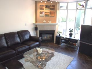 Photo 14: 210 14965 Marine Dr in Pacifica: Home for sale