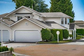 """Photo 2: 129 8737 212 Street in Langley: Walnut Grove Townhouse for sale in """"Chartwell Green"""" : MLS®# R2490439"""
