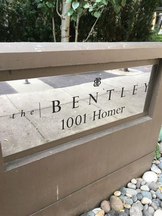 """Photo 1: 1607 1001 HOMER Street in Vancouver: Yaletown Condo for sale in """"THE BENTLEY"""" (Vancouver West)  : MLS®# R2196793"""