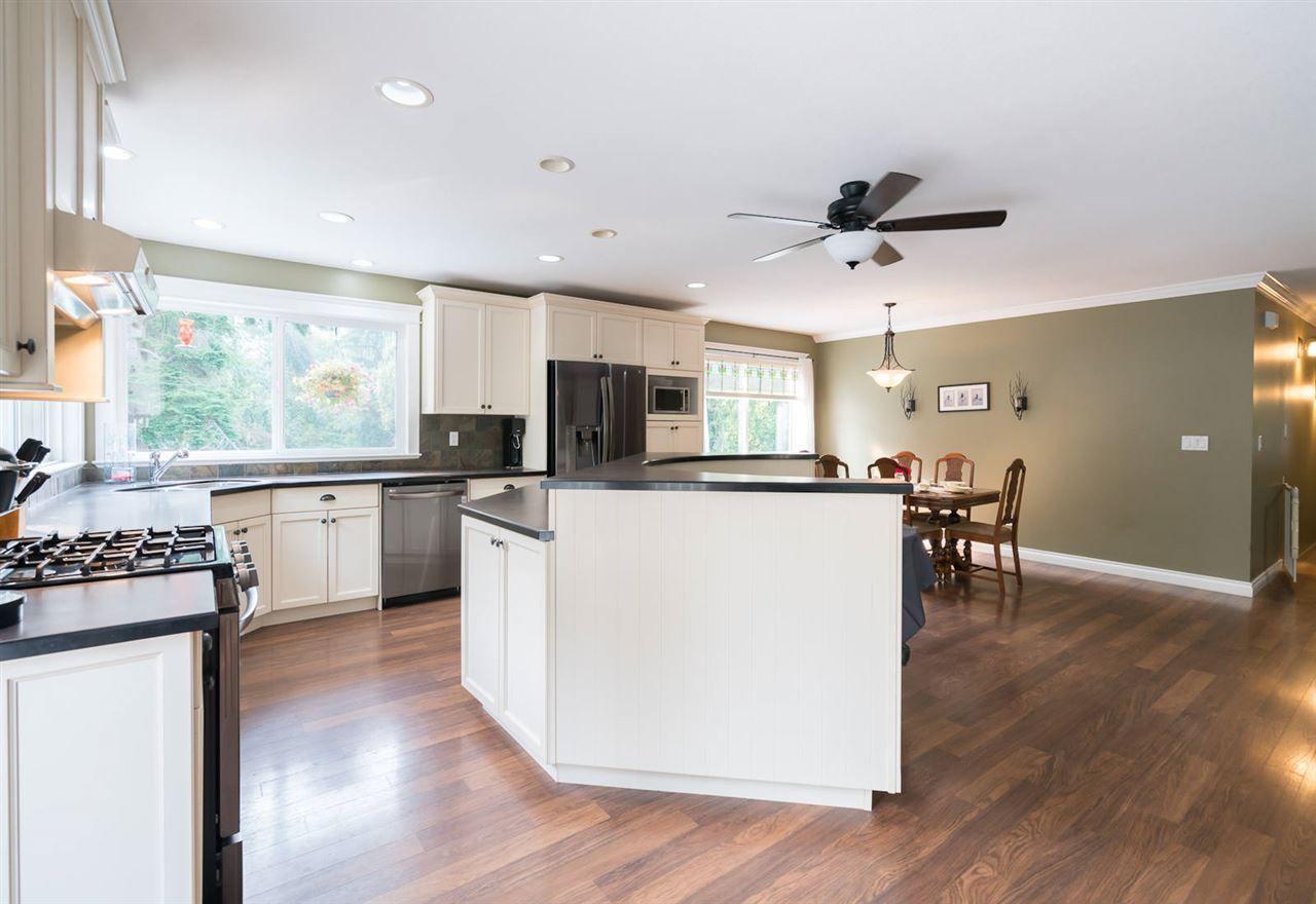 "Photo 10: Photos: 28258 MYRTLE Avenue in Abbotsford: Bradner House for sale in ""BRADNER"" : MLS®# R2456494"