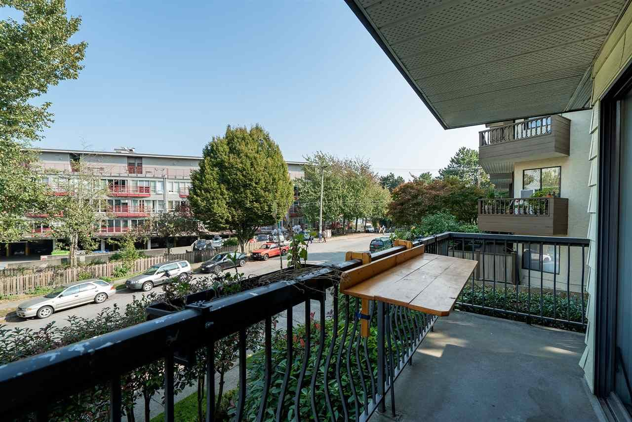 """Photo 7: Photos: 208 334 E 5TH Avenue in Vancouver: Mount Pleasant VE Condo for sale in """"View Pointe"""" (Vancouver East)  : MLS®# R2507908"""