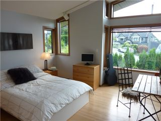 Photo 9: 228 W BALMORAL RD in North Vancouver: Upper Lonsdale House for sale : MLS®# V907386