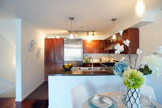 """Photo 5: 690 W 6TH Avenue in Vancouver: Fairview VW Townhouse for sale in """"Fairview"""" (Vancouver West)  : MLS®# R2552452"""