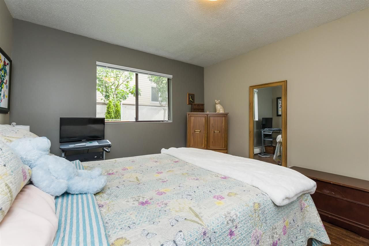 """Photo 15: Photos: 106 1442 BLACKWOOD Street: White Rock Condo for sale in """"BLACKWOOD MANOR"""" (South Surrey White Rock)  : MLS®# R2380049"""