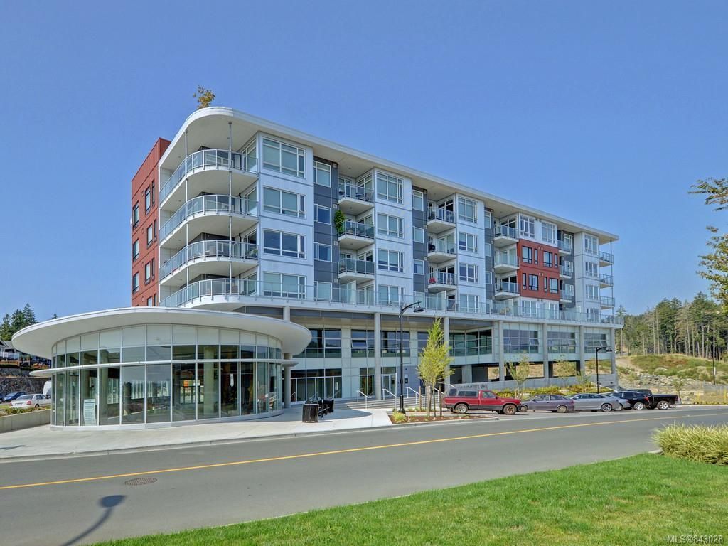 Main Photo: 412 1311 Lakepoint Way in Langford: La Westhills Condo for sale : MLS®# 843028