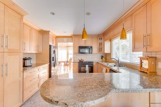 "Photo 13: 5493 ELWYN Drive in Burnaby: Deer Lake House for sale in ""BLENHEIM WOODS"" (Burnaby South)  : MLS®# R2356735"