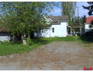 """Photo 3: 4827 216A Street in Langley: Murrayville House for sale in """"MURRAYVILLE"""" : MLS®# F2912523"""
