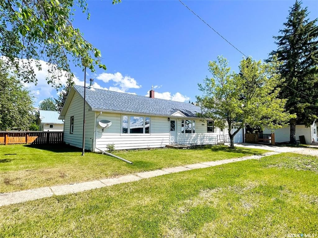 Main Photo: 103 2nd Avenue South in Goodsoil: Residential for sale : MLS®# SK844260
