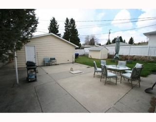 Photo 18: 619 72 Avenue NW in CALGARY: Huntington Hills Residential Detached Single Family for sale (Calgary)  : MLS®# C3377843