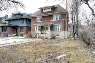 Photo 1: 269 Yale Avenue in Winnipeg: Crescentwood Residential for sale (1C)  : MLS®# 202105346