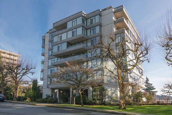"Main Photo: 604 1420 DUCHESS Avenue in West Vancouver: Ambleside Condo for sale in ""The Westerlies"" : MLS®# R2034405"