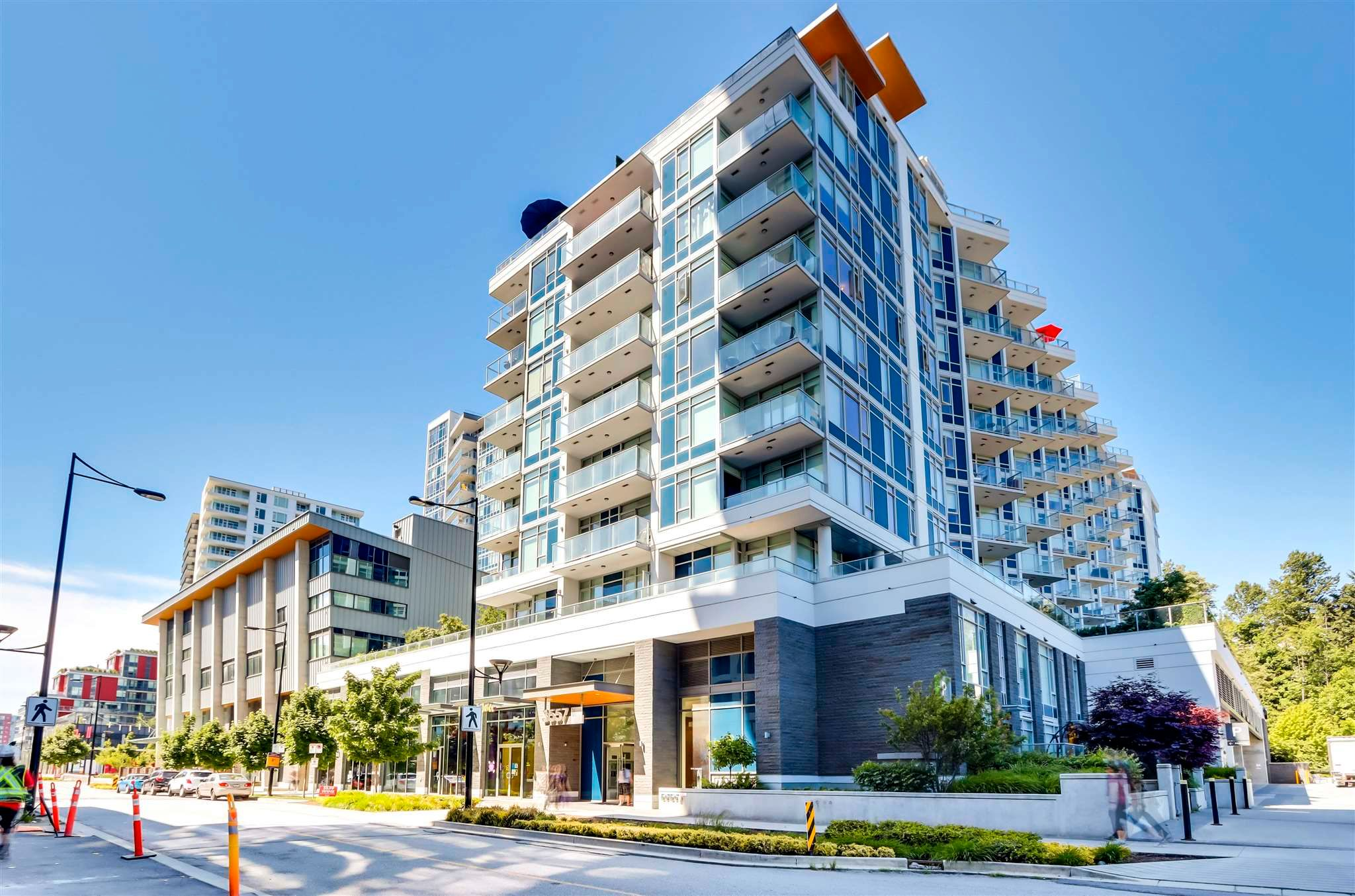 Main Photo: 817 3557 SAWMILL Crescent in Vancouver: South Marine Condo for sale (Vancouver East)  : MLS®# R2607484