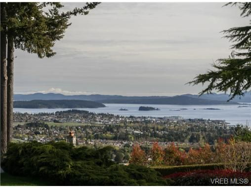 Main Photo: 1666 Georgia View Pl in NORTH SAANICH: NS Dean Park House for sale (North Saanich)  : MLS®# 668143
