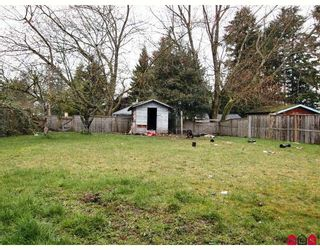 Photo 10: 16015 89A Avenue in Surrey: Fleetwood Tynehead House for sale : MLS®# F2809445