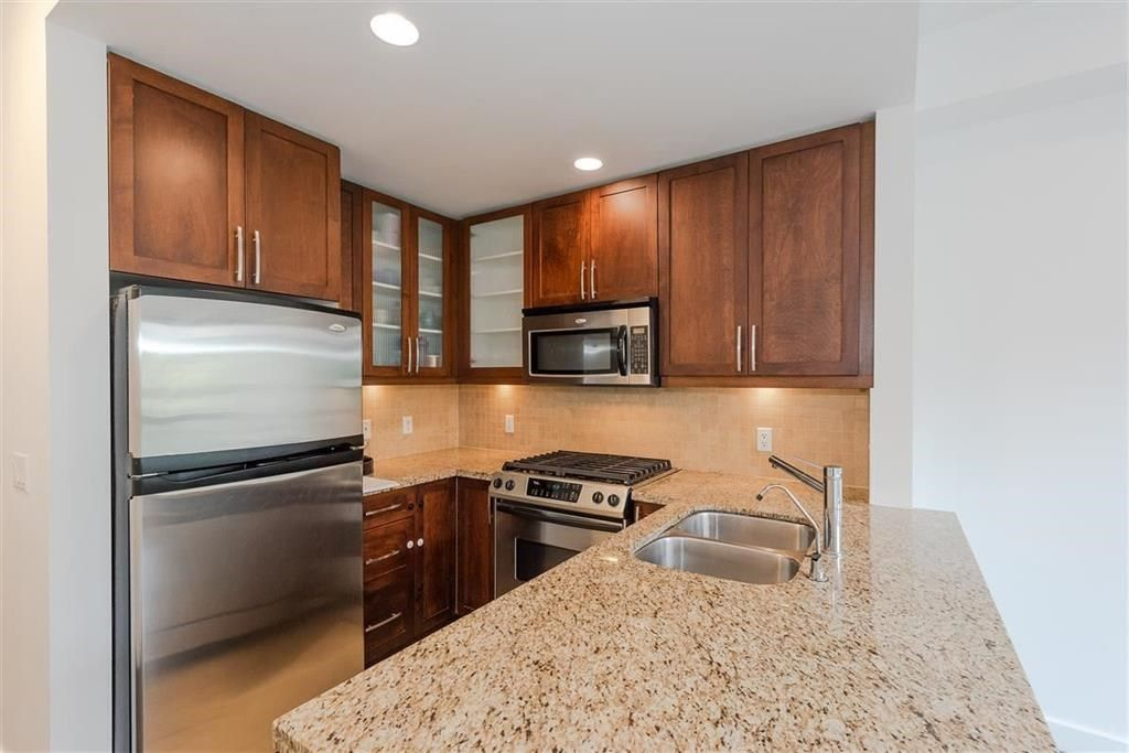 """Photo 7: Photos: 9 307 E 15TH Street in North Vancouver: Central Lonsdale Townhouse for sale in """"AVONDALE"""" : MLS®# R2477092"""