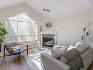 """Photo 7: 305 1150 LYNN VALLEY Road in North Vancouver: Lynn Valley Condo for sale in """"The Laurels"""" : MLS®# R2496029"""