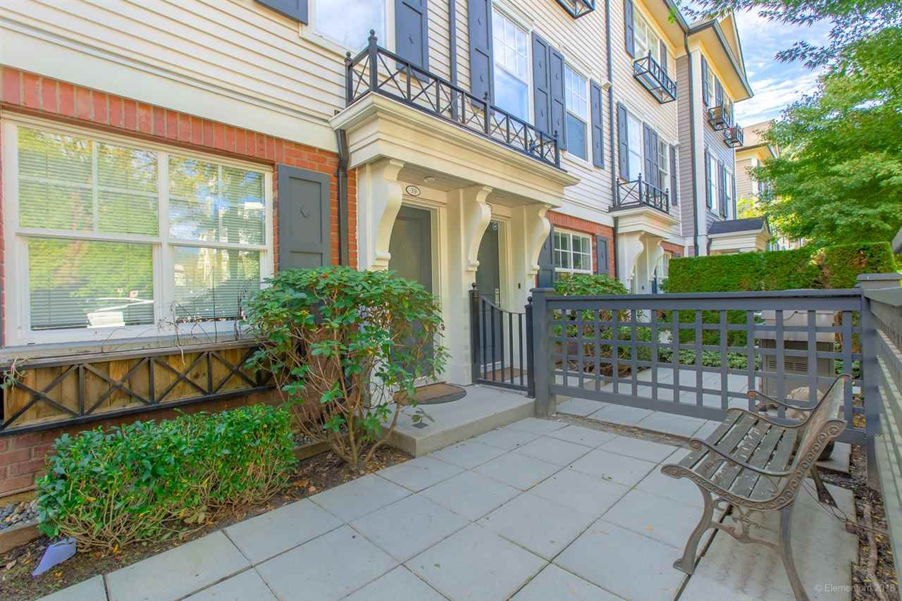 """Photo 2: Photos: 39 101 FRASER Street in Port Moody: Port Moody Centre Townhouse for sale in """"CORBEAU"""" : MLS®# R2410507"""