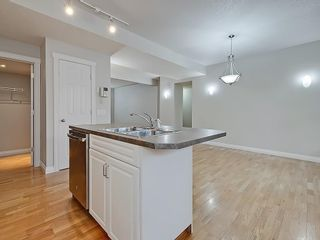 Photo 11: 302 Garrison Square SW in Calgary: Garrison Woods Row/Townhouse for sale : MLS®# C4225939