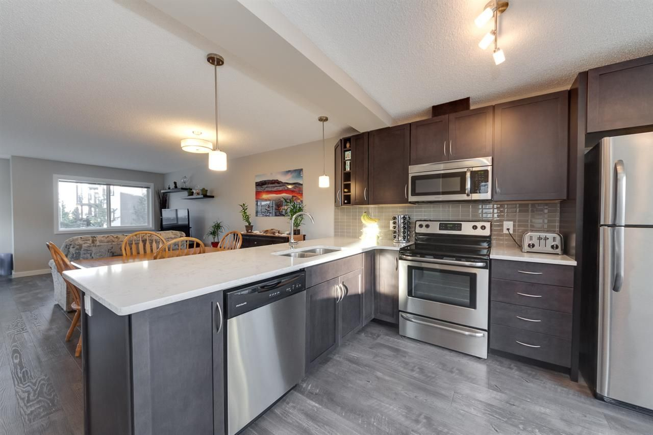 Main Photo: 1604 33A Street NW in Edmonton: Zone 30 Townhouse for sale : MLS®# E4224565