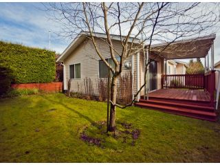 "Photo 9: 13 1400 164TH Street in Surrey: King George Corridor House for sale in ""GATEWAY Gardens"" (South Surrey White Rock)  : MLS®# F1300613"