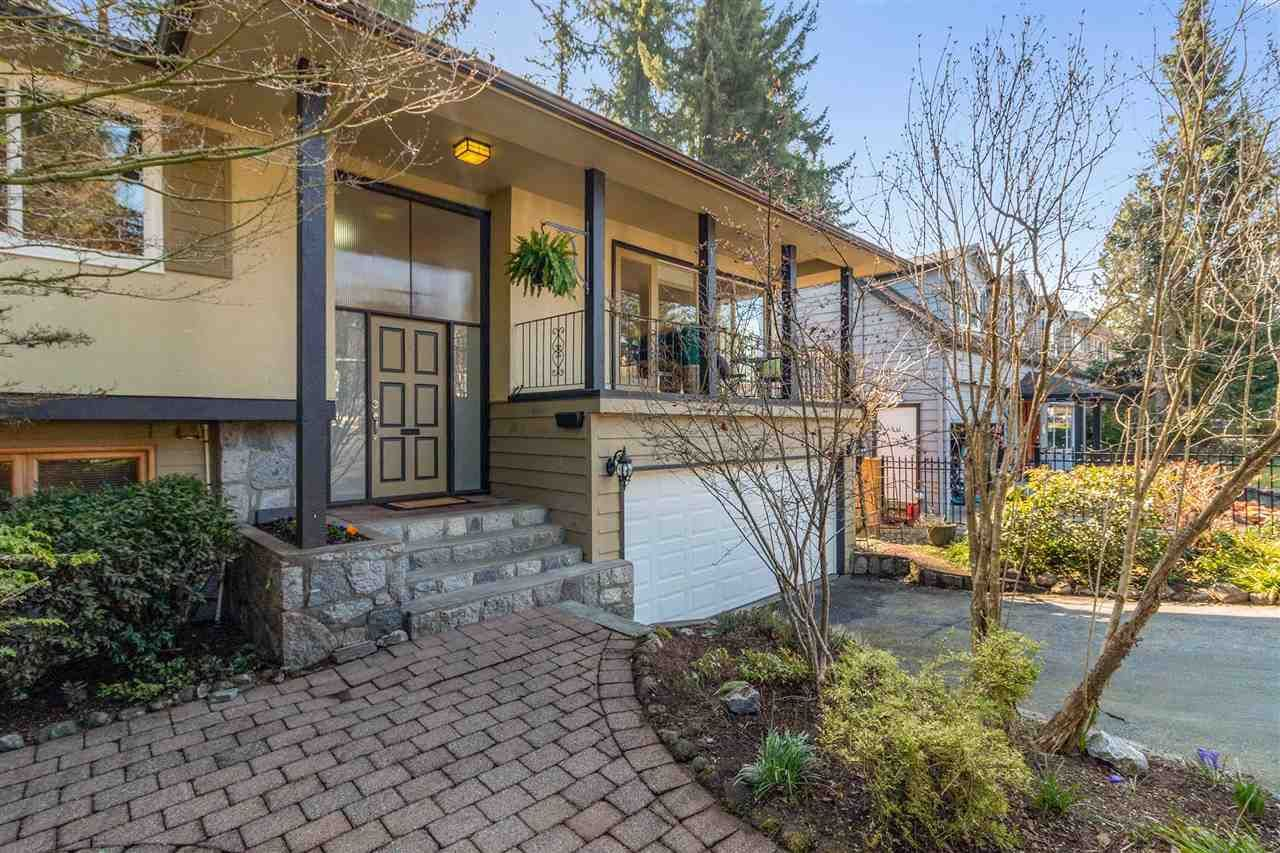 Main Photo: 2754 WEMBLEY Drive in North Vancouver: Westlynn Terrace House for sale : MLS®# R2448886