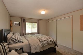 Photo 13: 6111 SECHELT INLET Road in Sechelt: Sechelt District House for sale (Sunshine Coast)  : MLS®# R2557718