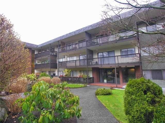 "Main Photo: 302 155 E 5TH Street in North Vancouver: Lower Lonsdale Condo for sale in ""Winchester Estates Ltd."" : MLS®# V897920"