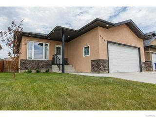 Photo 1: 606 Redwood Crescent in Warman: Residential for sale : MLS®# SK612663