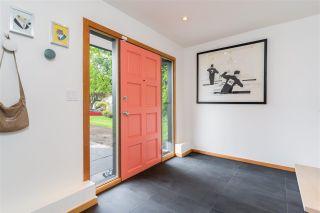 """Photo 3: 2746 TRINITY Street in Vancouver: Hastings Sunrise House for sale in """"HASTINGS-SUNRISE"""" (Vancouver East)  : MLS®# R2582572"""