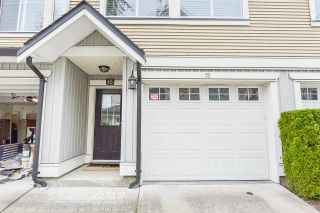 """Photo 2: 15 8383 159 Street in Surrey: Fleetwood Tynehead Townhouse for sale in """"Avalon Woods"""" : MLS®# R2180258"""