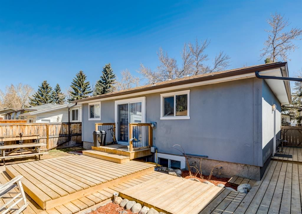 Main Photo: 3042 30A Street SE in Calgary: Dover Detached for sale : MLS®# A1097578