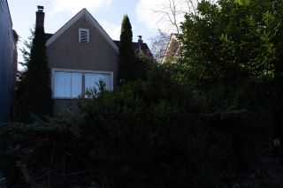 Photo 2: 3728 W 16TH Avenue in Vancouver: Dunbar House for sale (Vancouver West)  : MLS®# R2548400