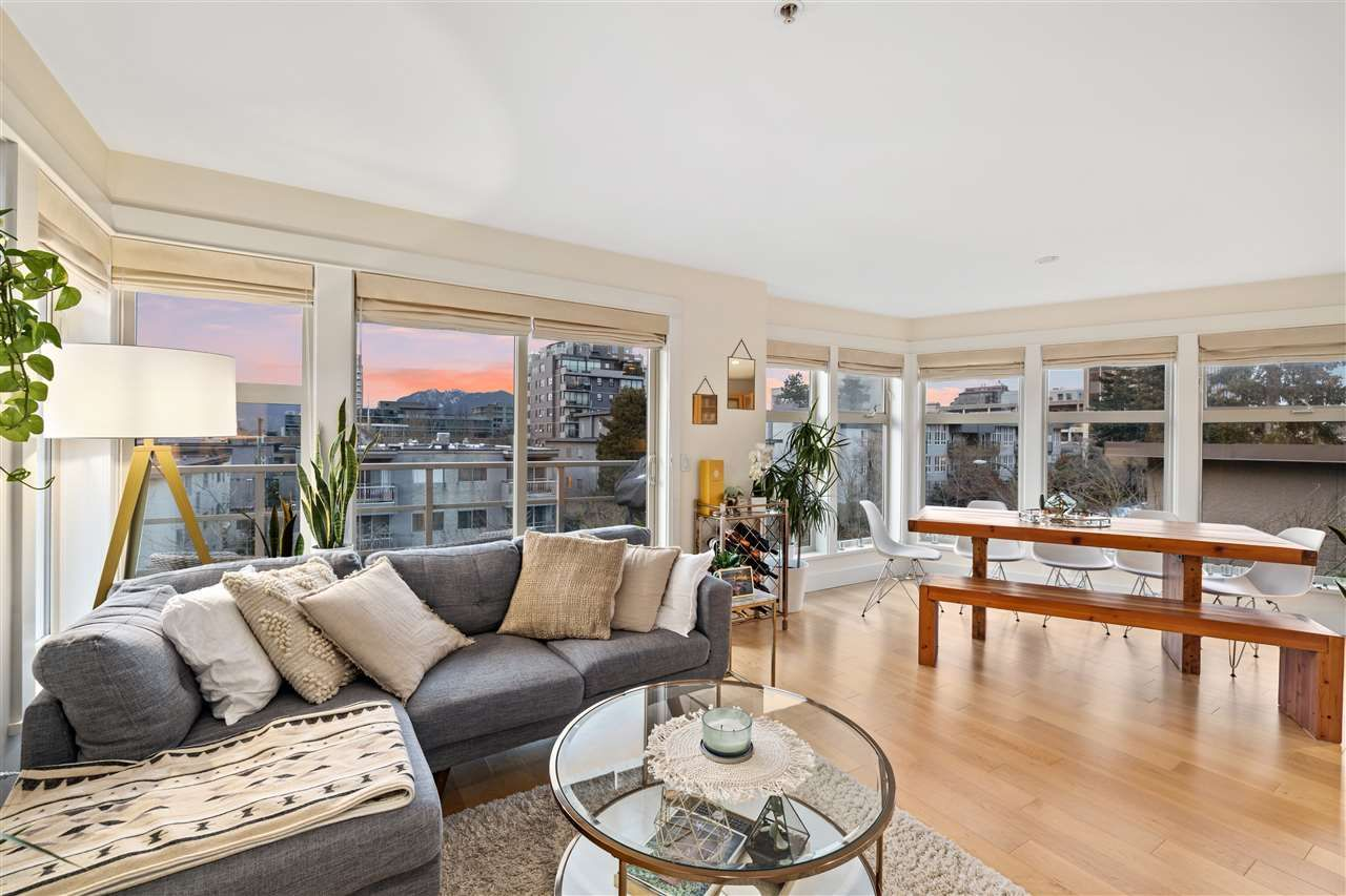 """Main Photo: 401 1586 W 11TH Avenue in Vancouver: Fairview VW Condo for sale in """"Torrey Pines"""" (Vancouver West)  : MLS®# R2561085"""