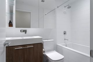 """Photo 13: 5011 4510 HALIFAX Way in Burnaby: Brentwood Park Condo for sale in """"Amazing Brentwood"""" (Burnaby North)  : MLS®# R2427605"""