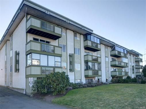 Main Photo: 403 25 Government St in VICTORIA: Vi James Bay Condo for sale (Victoria)  : MLS®# 749293