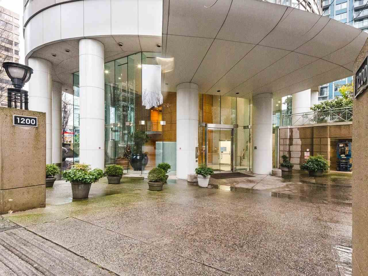 """Photo 19: Photos: 1202 1200 ALBERNI Street in Vancouver: West End VW Condo for sale in """"Palisades"""" (Vancouver West)  : MLS®# R2527140"""