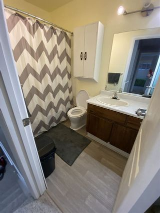 Photo 4: 1672 LAKEWOOD Road S in Edmonton: Zone 29 Townhouse for sale : MLS®# E4235515