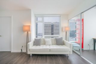 """Photo 3: 2507 5665 BOUNDARY Road in Vancouver: Collingwood VE Condo for sale in """"WALL CENTRE CENTRAL PARK SOUTH"""" (Vancouver East)  : MLS®# R2539277"""