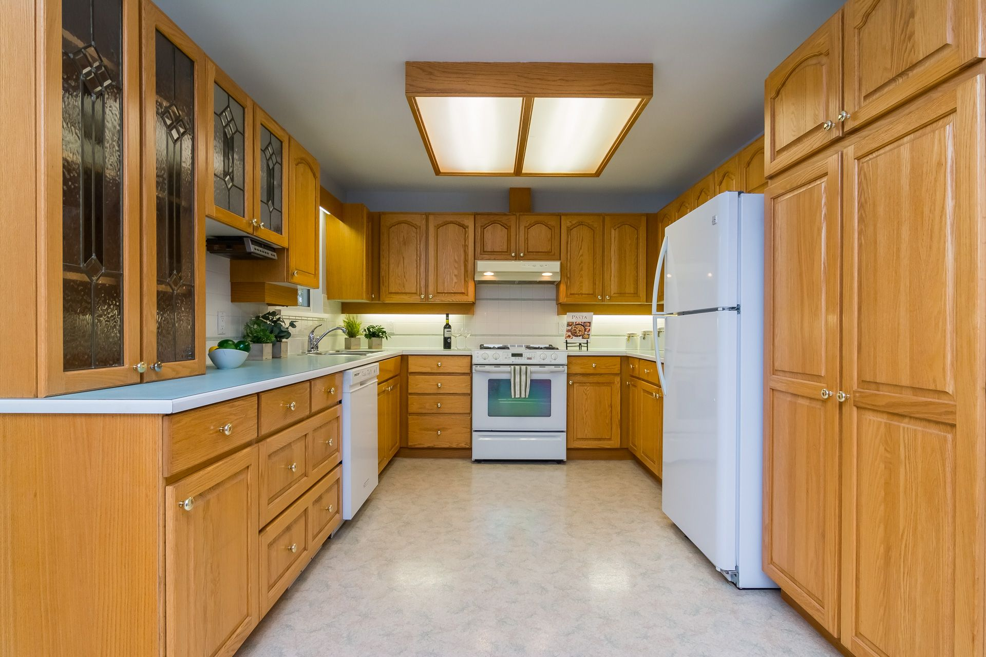 """Photo 15: Photos: 19941 37 Avenue in Langley: Brookswood Langley House for sale in """"Brookswood"""" : MLS®# R2240474"""