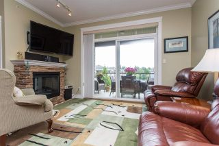 """Photo 3: 408 33338 MAYFAIR Avenue in Abbotsford: Central Abbotsford Condo for sale in """"The Sterling"""" : MLS®# R2456135"""