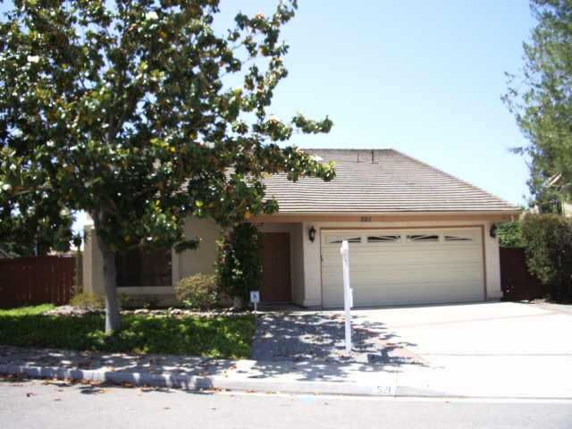 Main Photo: SOUTHWEST ESCONDIDO Residential for sale : 3 bedrooms : 521 Pine Tree Pl in Escondido