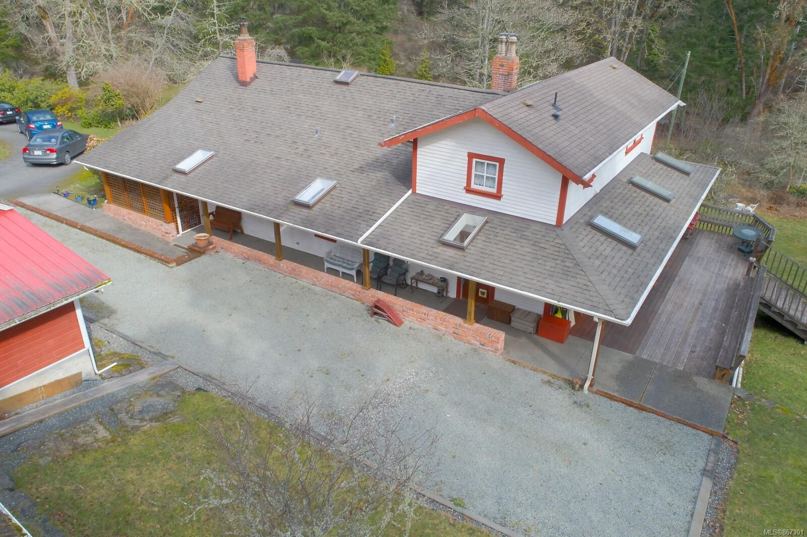 Main Photo: 5118 Old West Saanich Rd in : SW West Saanich House for sale (Saanich West)  : MLS®# 867301