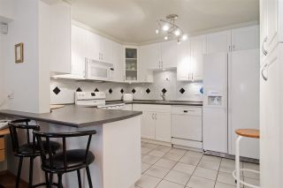 """Photo 8: 3103 33 CHESTERFIELD Place in North Vancouver: Lower Lonsdale Condo for sale in """"Harbourview Park"""" : MLS®# R2037524"""