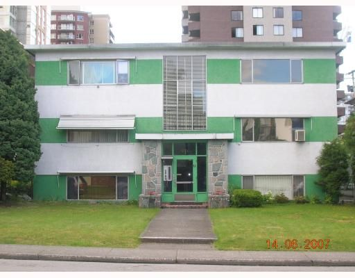 Main Photo: 8 1420 CHESTERFIELD Avenue in North_Vancouver: Central Lonsdale Condo for sale (North Vancouver)  : MLS®# V654049
