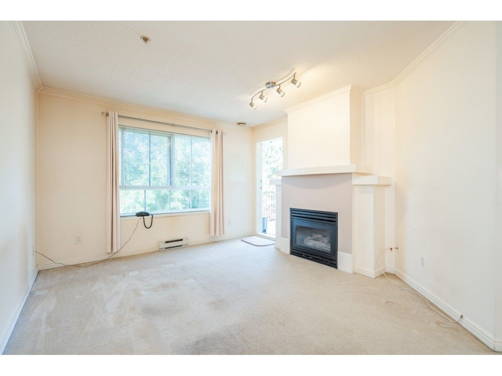"""Photo 7: Photos: 303 19750 64 Avenue in Langley: Willoughby Heights Condo for sale in """"Davenport"""" : MLS®# R2480874"""