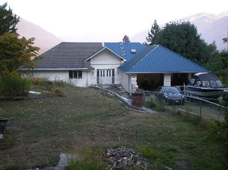 Main Photo: 47729 FORESTER RD in Sardis: House for sale : MLS®# H1103874