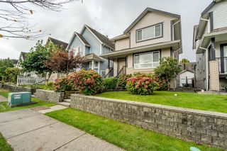 Photo 2: 6637 127 Street in Surrey: West Newton House for sale : MLS®# R2511091