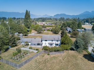 Photo 2: 21942 127 Avenue in Maple Ridge: West Central House for sale : MLS®# R2613779